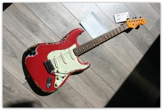 '62 Heavy Relic Stratocaster Dakota Red Over Black