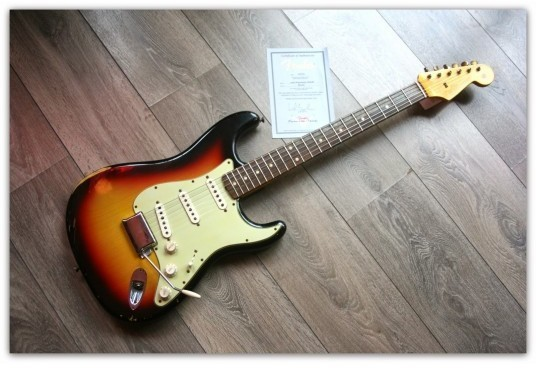 ´60 Stratocaster Relic , Three Tone Sunburst