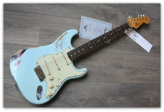 ´62 Strat Heavy Relic Sonic Blue over 3 tone Sunburst